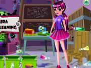 Draculaura Classroom Cleaning