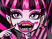 Draculaura Dental Care